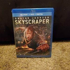Skyscraper Blu-ray+ DVD+ Digital